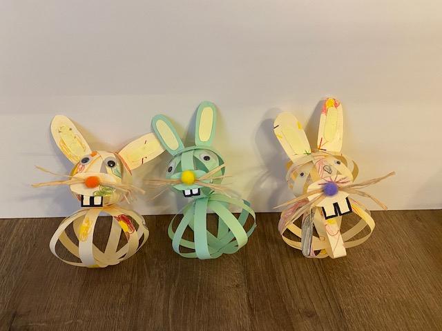 Drei Osterhasen